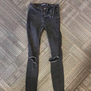 black ripped skinny jeans !